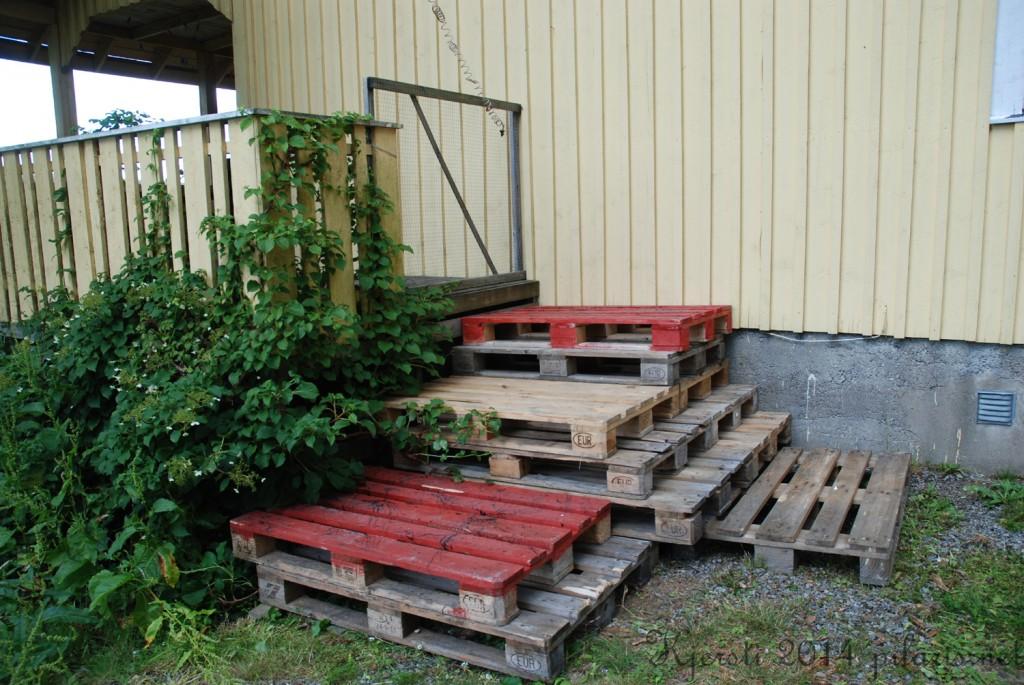 4 190714 Omgjøring av trapp til verandaen