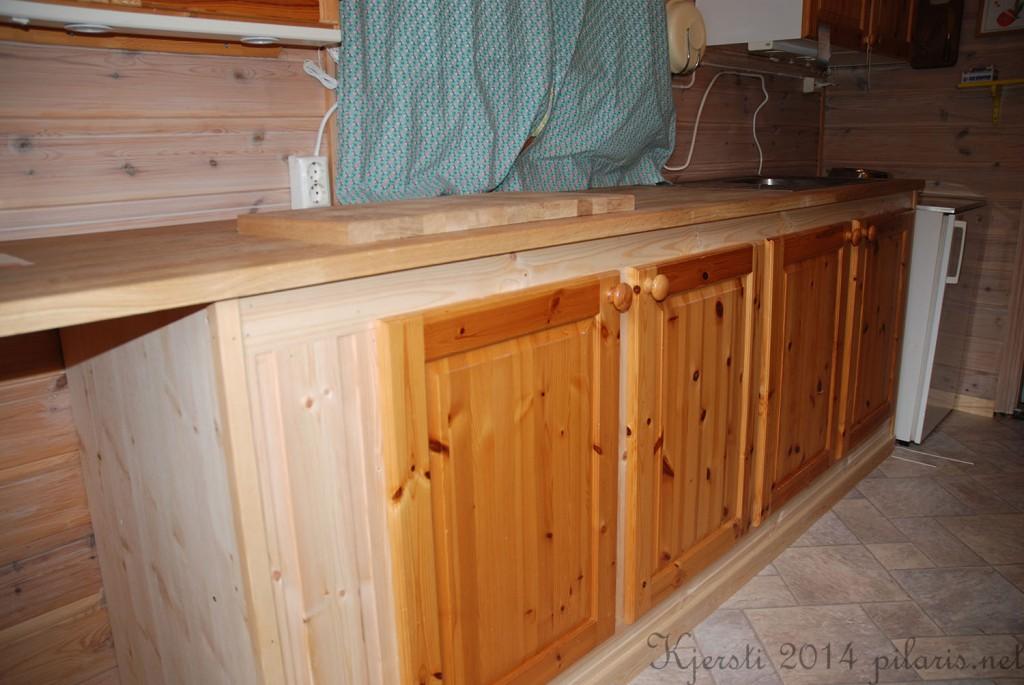 1 081014 Kjøkkenbenk på hytta