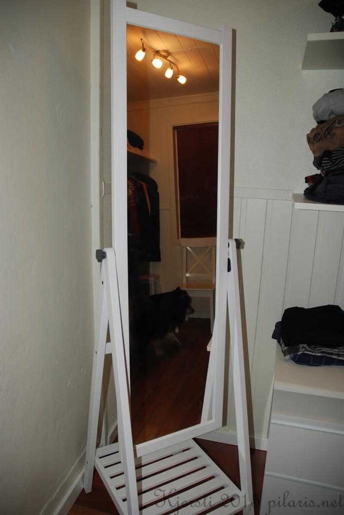 4 240315 Ferdig garderoberom
